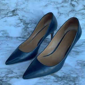 Calvin Klein women's navy pointed pumps size 6.5